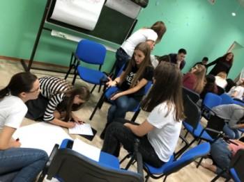 Школа — один из организаторов фестиваля волонтёров